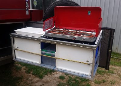 Kitchen cooktops available for hire with your Deluxe Camper trailer